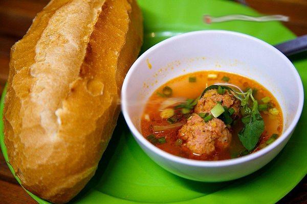 Món ngon Đà Lạt bánh mì xíu mại Đà Lạt - Địa điểm ăn uống - các món ăn ngon ở Đà Lạt - datphongdalat.vn-1