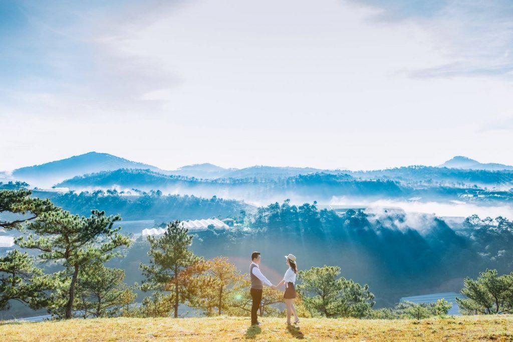 Du lịch Đà Lạt tháng 1 - sương mờ trên núi cao - datphongdalat.vn