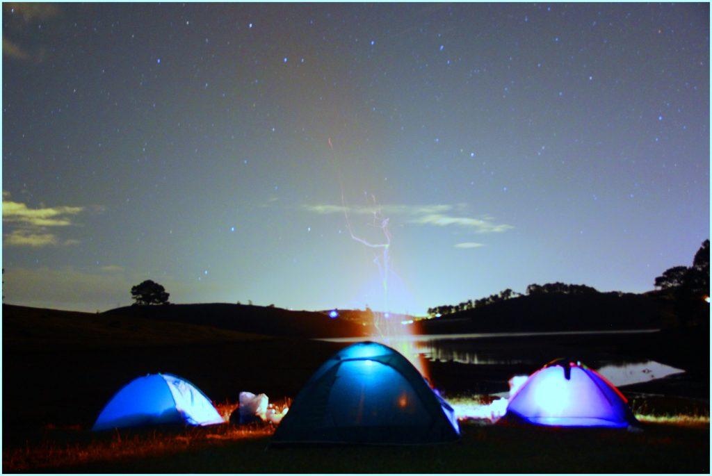 Cắm trại tại cây thông cô đơn Đà Lạt