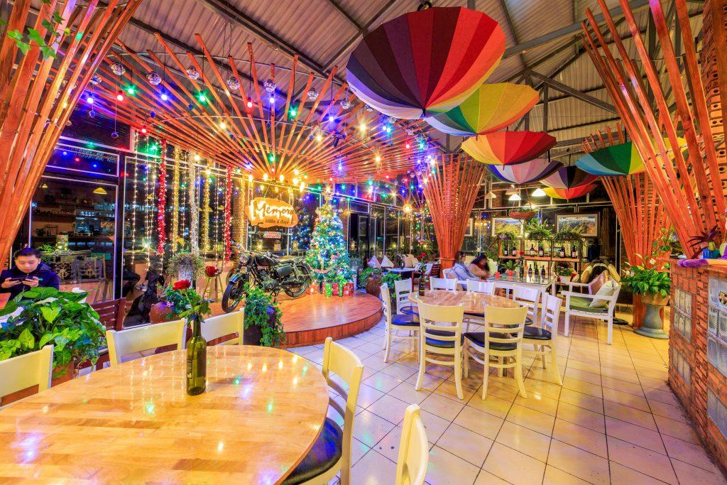 Không gian của Memory - Top 10 quán cafe Đà Lạt đẹp nhất