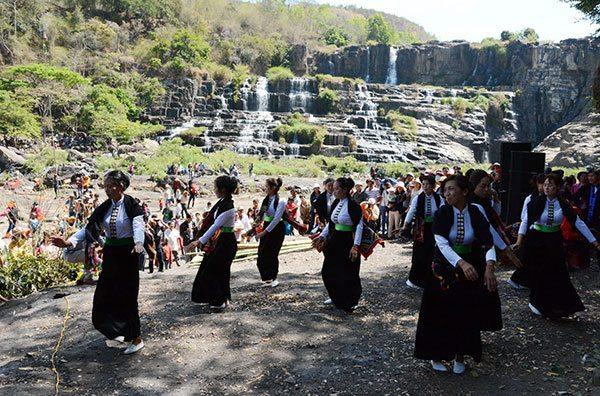 Lễ hội thác Pongour Đà Lạt vào rằm tháng giêng - địa điểm du lịch Đà Lạt - datphongdalat.vn