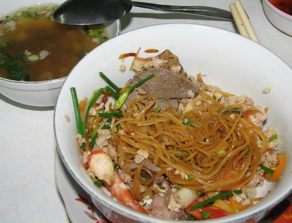 An sang Da Lat - hu tieu Trang mon ngon Da Lat - datphongdalat.vn