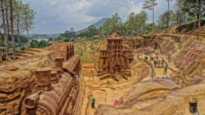 Tour Ma Rừng lữ quán - Làng Cù Lần - Đường hầm Đất Sét Đà Lạt- Tour Đà Lạt 1 ngày giá rẻ - datphongdalat.vn-3
