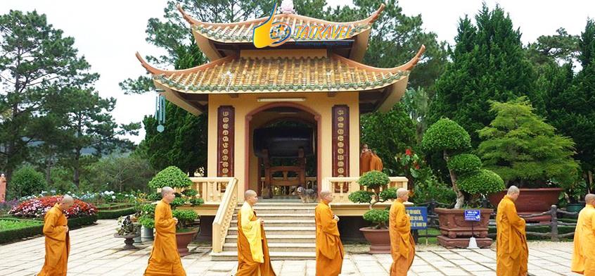 Review chi tiết về Thiền Viện Trúc Lâm Đà Lạt