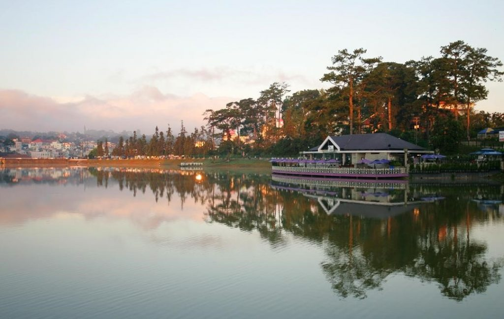 khách sạn Đà Lạt gần hồ Xuân Hương
