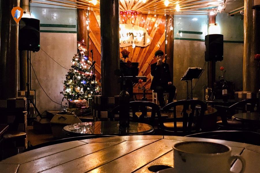 Phòng trà ở Đà Lạt