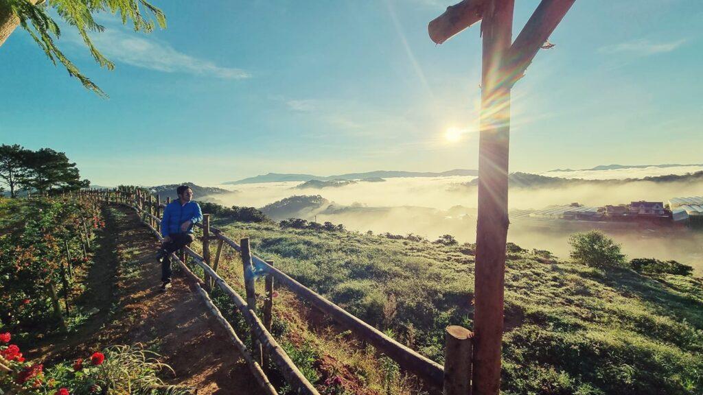 Đồi mây là địa điểm du lịch Đà Lạt tháng 10 tuyệt đẹp không thể bỏ lỡ