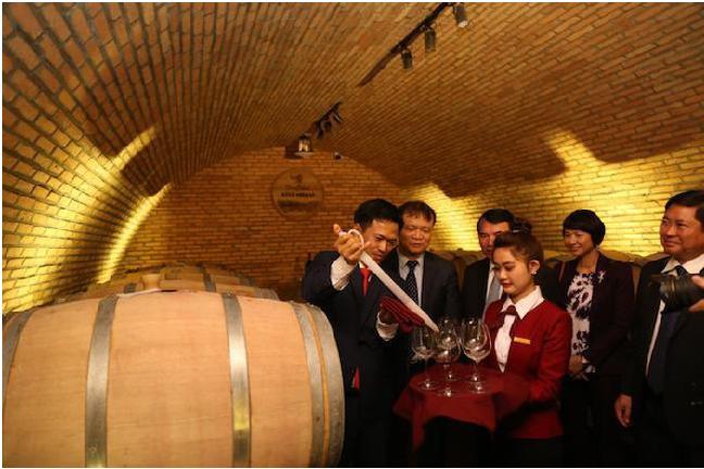 Thử rượu vang Đà Lạt thưởng thức tinh hoa đồ uống cao cấp