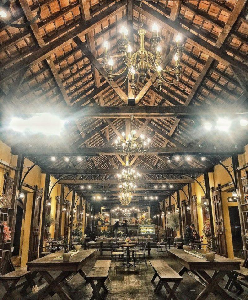 Quán cafe The Choco trong nhà ga Đà Lạt