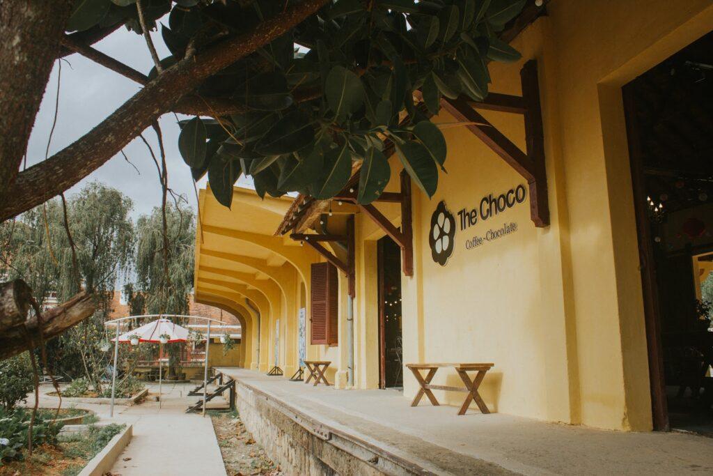 QUán cafe The Choco trong Ga Đà Lạt