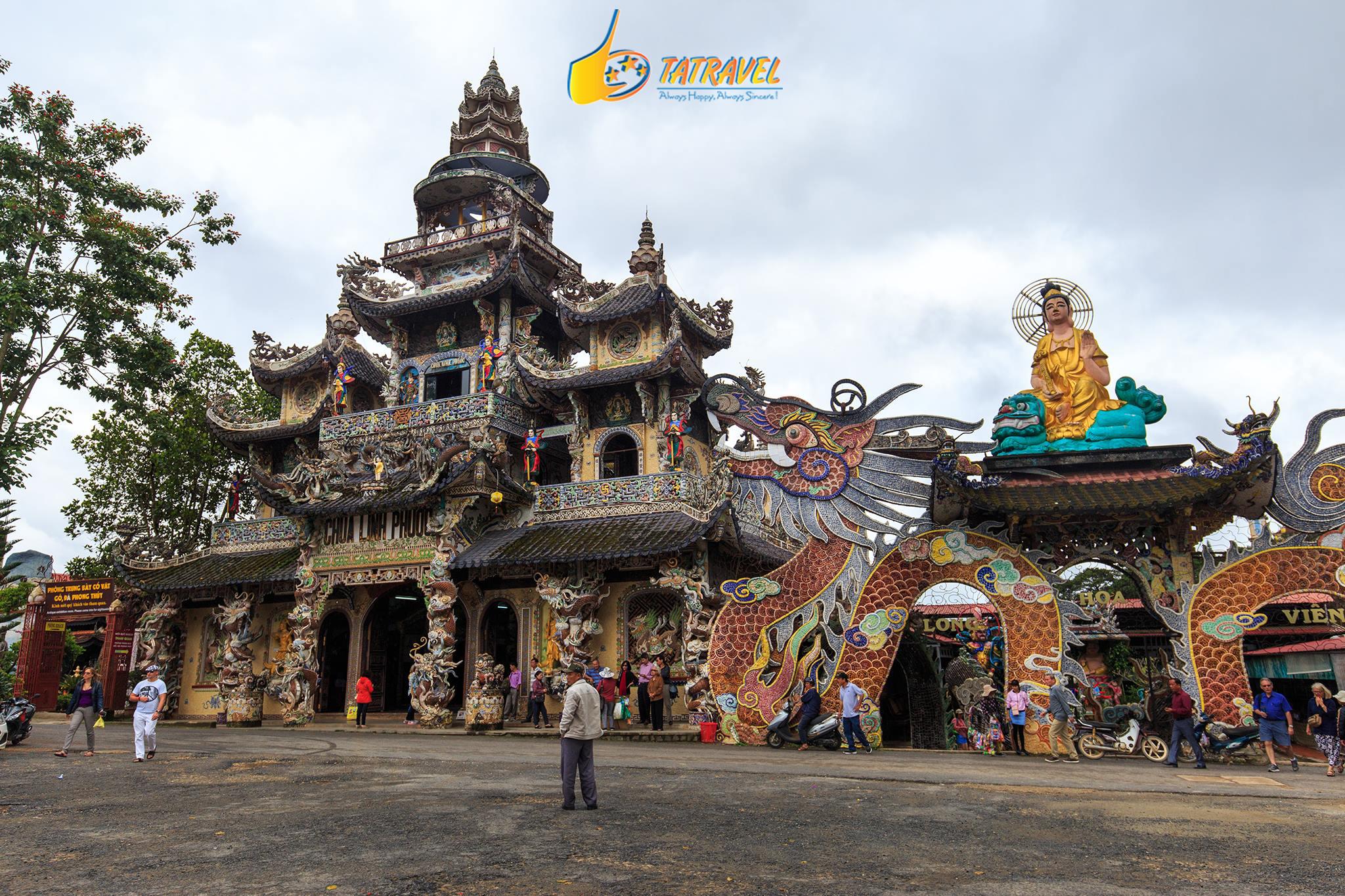 Chùa Linh Phước nổi tiếng ở Đà Lạt