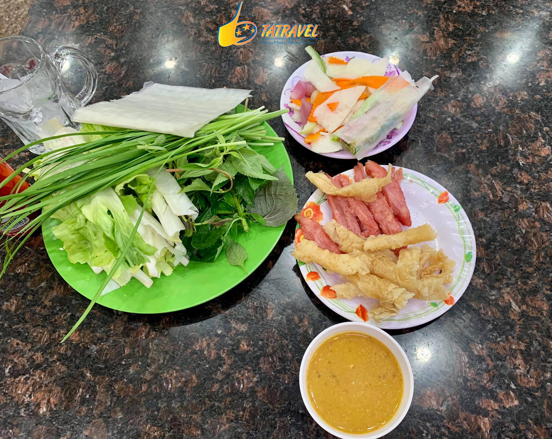 Nem nướng Bà Hùng quán ăn ngon ở Đà Lạt