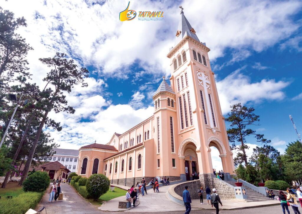 Review nhà thờ con gà Đà Lạt - nhà thờ chính tòa