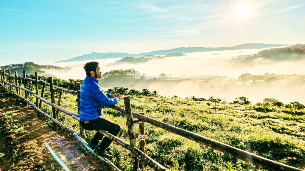 Săn Mây Đà Lạt 2021 xuất sắc với phong cảnh tuyệt đẹp tại Đồi Mây Đà Lạt